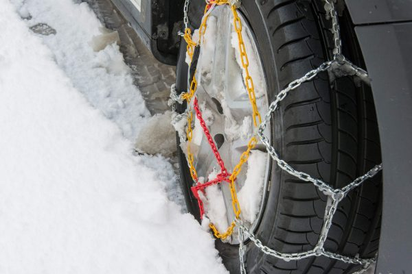 Catene da neve: come sceglierle e quando montarle